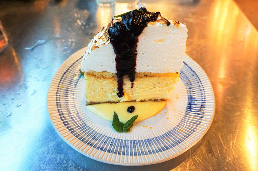 mariner-of-the-seas-jamies-dessert.jpg - Try the Almafi lemon meringue cheesecake at Jamie's Italian Restaurant on Mariner of the Seas.