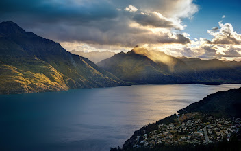 Photo: Summer Sunset over Lake Wakatipuaround 9:20 PM...  Every day it gets a little shorter here... tonight is 9:16 PM. This is the wonderfulLake Wakatipu that connects Kingston, Queenstown, and Glenorchy.