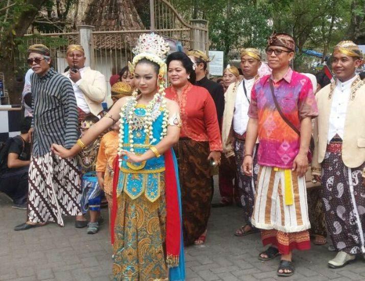 Wisata goa Selomangkleng Kota Kediri