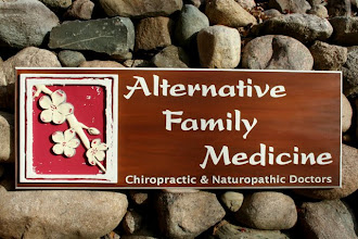 Photo: Wood Signs in Niwot Colorado & more carved signs at http://www.nicecarvings.com