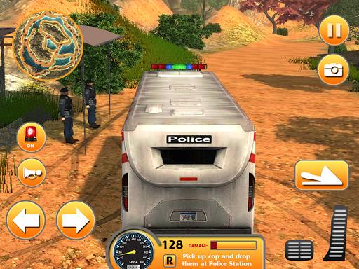 警方巴士爬坡