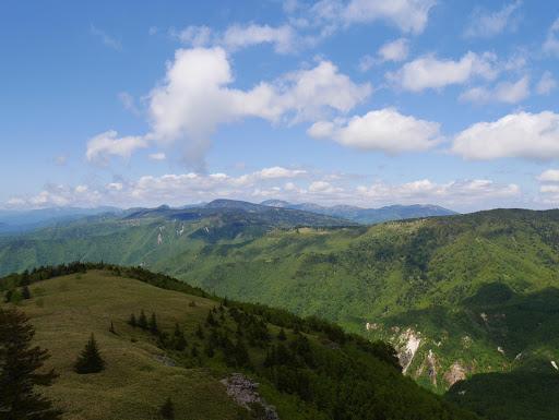 小根子岳北肩から横手山方面