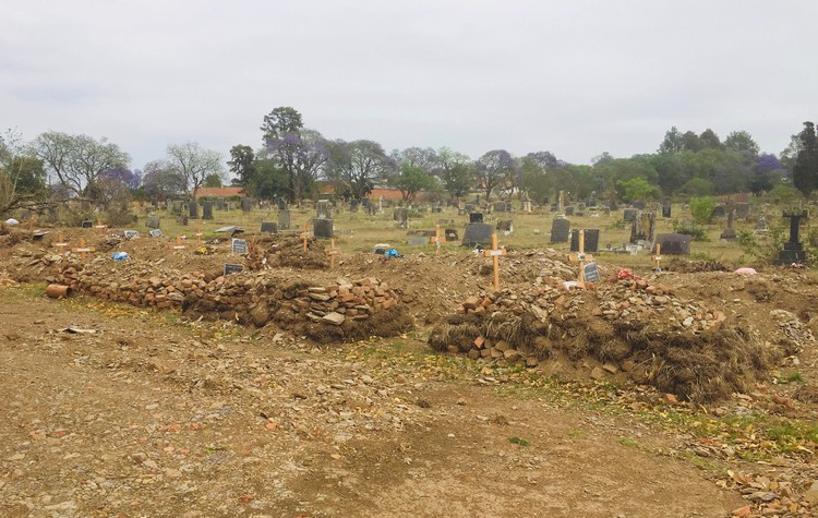 Pietermaritzburg families bury loved ones at home as cemeteries fill up - SowetanLIVE