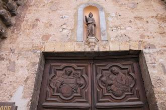 Photo: Un détail de la porte d'entrée.
