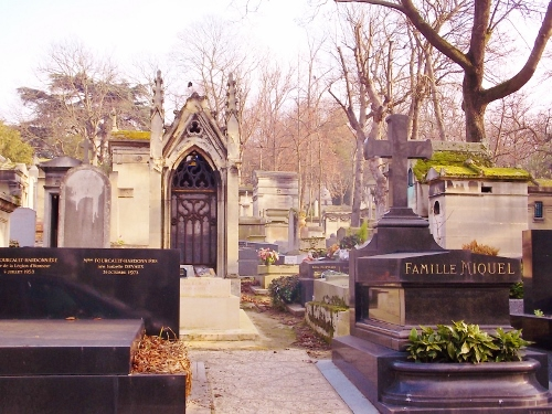 We Visited Pere Lachaise Cemetery Paris where Jim Morrison (Doors) is Buried