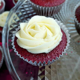 Red Velvet Cupcakes with Butter Cream Cheese Frosting ♥.