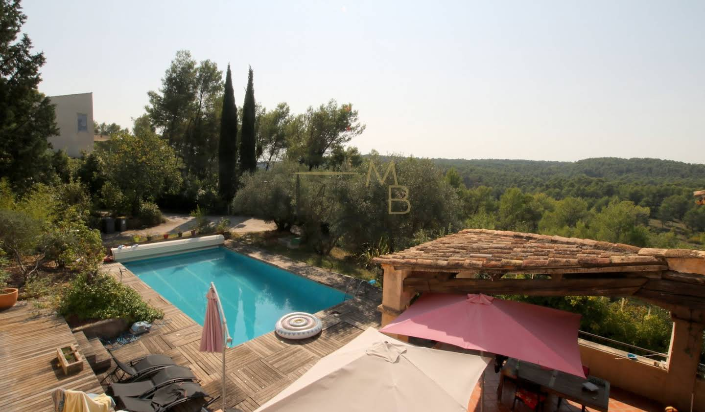 Villa with pool Montferrier-sur-Lez