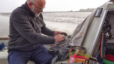Photo: Washup at the Yare & Waveney while waiting for the flood to help us up to Burgh Castle