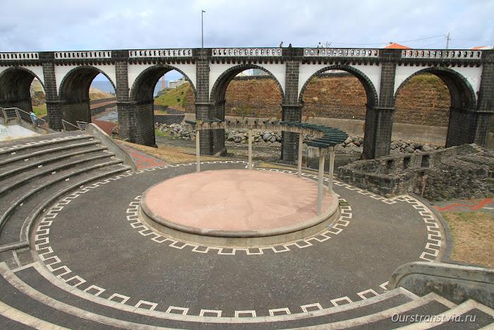 Мост-акведук в Рибейра Гранде