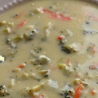 Homemade Creamy Cheesy Broccoli Soup