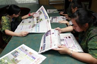 Photo: 80位新聞研習營學子3日參觀青年日報社
