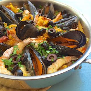 Easy Seafood Paella {The Recipe ReDux}
