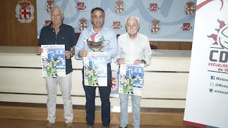 La Copa de Andalucía ha sido presentada en la sala de prensa del Estadio.