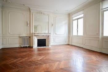 Appartement 4 pièces 130,19 m2