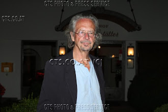 Photo: ( 12.08.2011, Salzburg ) - Privat: Peter Handke nach einem Dinner im Hotel Gasthof Brandstätter in Salzburg. ** HINWEIS: DOPPELTER ANSTRICHPREIS **  **** Fotocredit: CTS Photo & Press Service **** CTS GMBH - A-5020 Salzburg, Johann-Lugertstrasse 8 - http://www.cts.co.at - no publication without prior licence from CTS ****