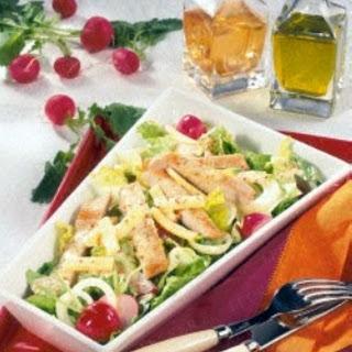 Knackiger Salat mit Putenstreifen (Diabetiker)