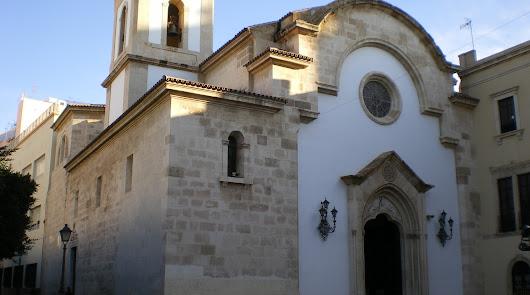 Susto en la Iglesia de la Virgen del Mar tras la explosión de una bombilla