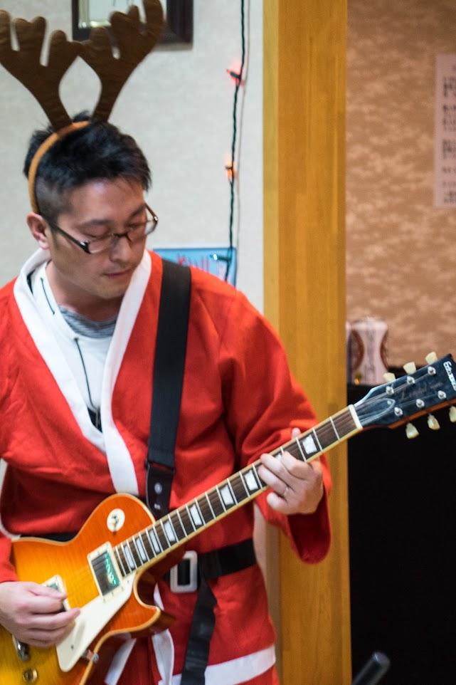 ハートビートの演奏・ギター:阿部考司さん