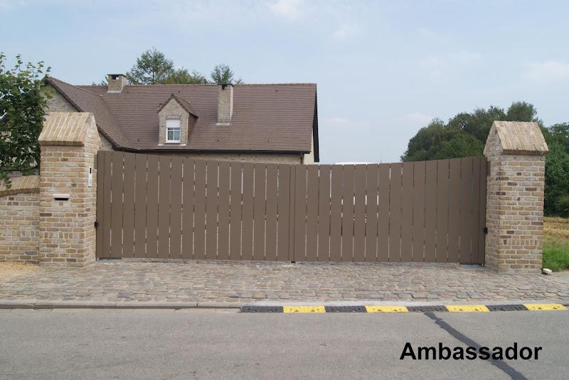 Realisaties sectionale poorten, zonwering, hekken, automatisatie