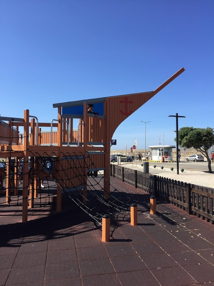 Foto Parque Infantil do Barco - Porto de Mar 1