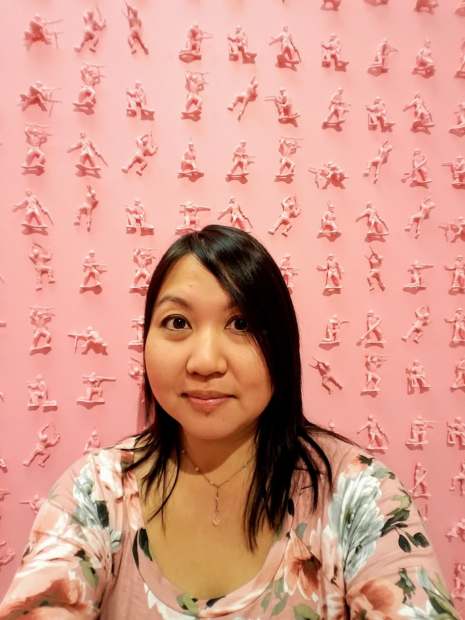 Museum of Ice Cream in San Francisco, selfie with bubble gum pink toy soldier wall