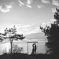 Wedding photographer Aleksandr Khalabuzar (A-Kh). Photo of 18.12.2016