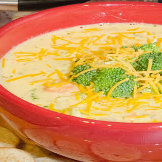 Creamy Broccoli Soup That Nobody Will Believe You Made at Home.