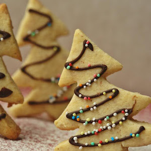 Almond Christmas Tree Cookies