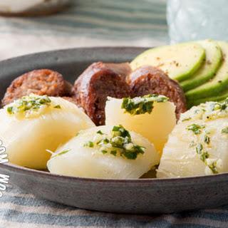 Yuca Al Mojo De Ajo (Cassava with Garlic Sauce) Recipe