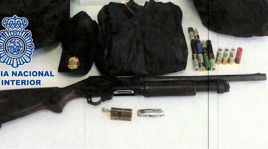 Cuatro detenidos con una escopeta robada y preparada para disparar