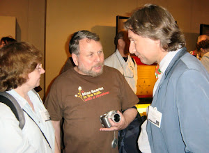 Photo: Sybille and Bruce take a close-up of Ulrich Schaedler
