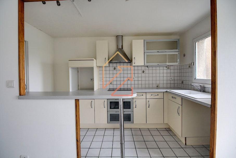Location  appartement 3 pièces 56.43 m² à Creteil (94000), 1 093 €