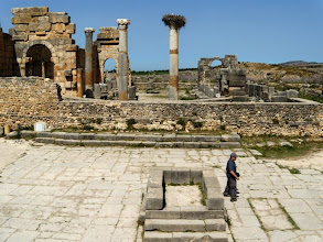 Photo: Volubilis - Altar between the Capitol and the Basilica ........... Altaar tussen het Capitool en de Basilica
