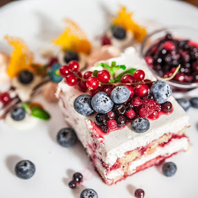 Reyna cake! by Doru Iachim - Food & Drink Candy & Dessert ( cake, sweet, white, strawberry, cream, sugar )
