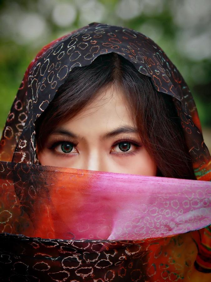 Beautiful eyes by Aryanto Sujono - People Body Parts