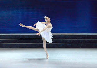 Photo: Ballett SCHWANENSEE in der Wiener Staatsoper/ Wiener Staatsballett. Olga Esina. Premiere 16. März 2014. Foto: Barbara Zeininger.