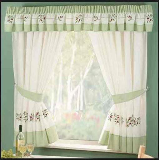 台所の窓のカーテンのアイデア