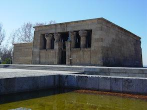 Photo: Templo egipcio de Debod y estanque
