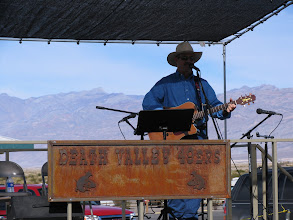 Photo: Beautiful scenery, and great music by Richard Elloyan, at Stovepipe Wells.