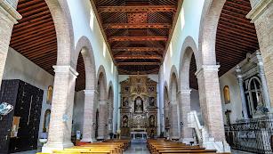 Imagen de la nave central de la Iglesia de la Encarnación de Tabernas.