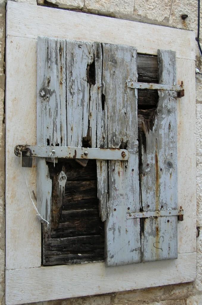 Vecchia finestra di Maura
