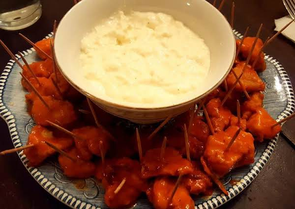 Baked Buffelo Chicken Bites With Fat Free Feta Dip