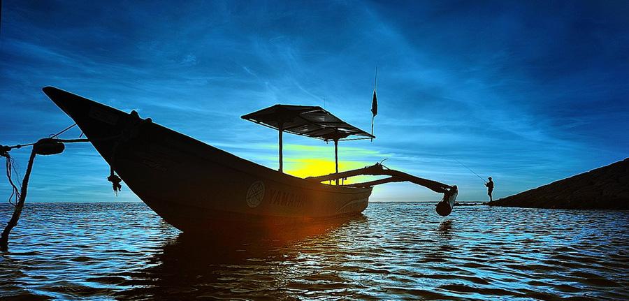 boat silhouette by Sapto Nugroho - Transportation Boats ( bali boat silhouette )