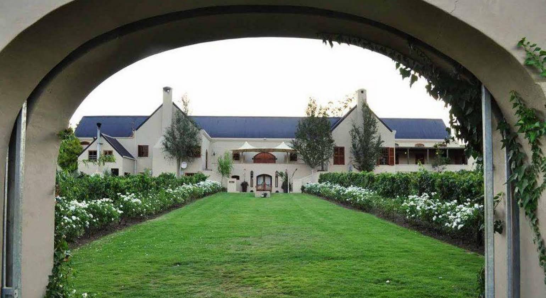 Le Bac Estates