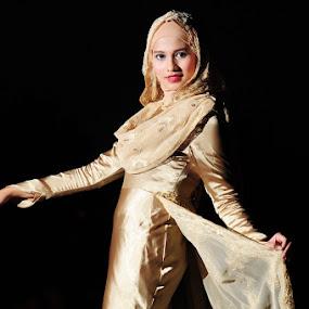 My Exclusive Muslimah Wedding Gown by Muhammad Irwansyah - People Fashion ( fashion wedding gown muslimah people beauty )