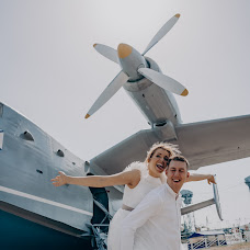 Wedding photographer Aleksandra Lovcova (AlexandriaRia). Photo of 19.06.2019