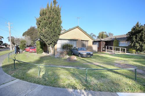 Photo of property at 64 Pine Street, Frankston North 3200