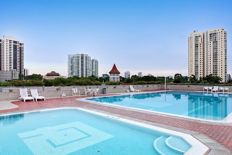 far-east-plaza-residences-facilities-pool