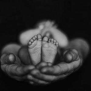 newborn-foot.jpg