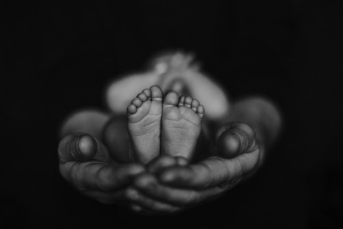 Newborn Feet by Dominik Konjedic - Babies & Children Hands & Feet ( feet, hands, bw, baby, newborn, black and white, body )